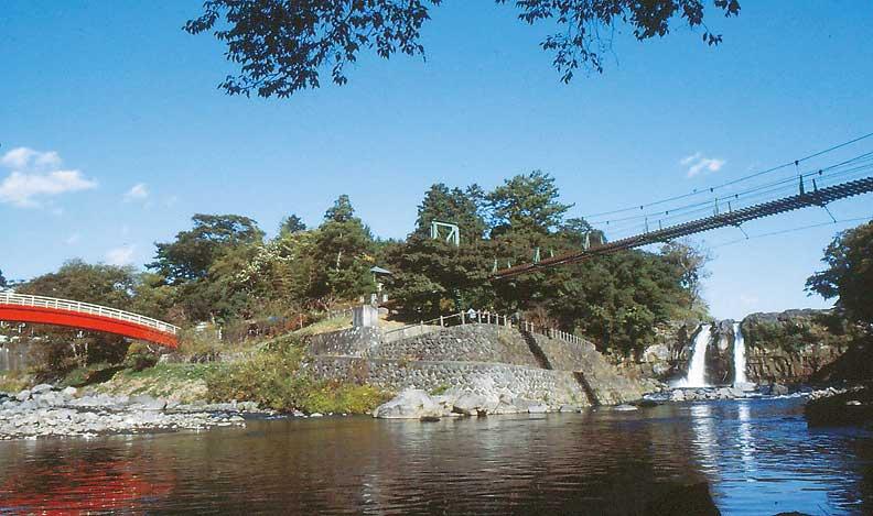 裾野市中央公園・五竜の滝