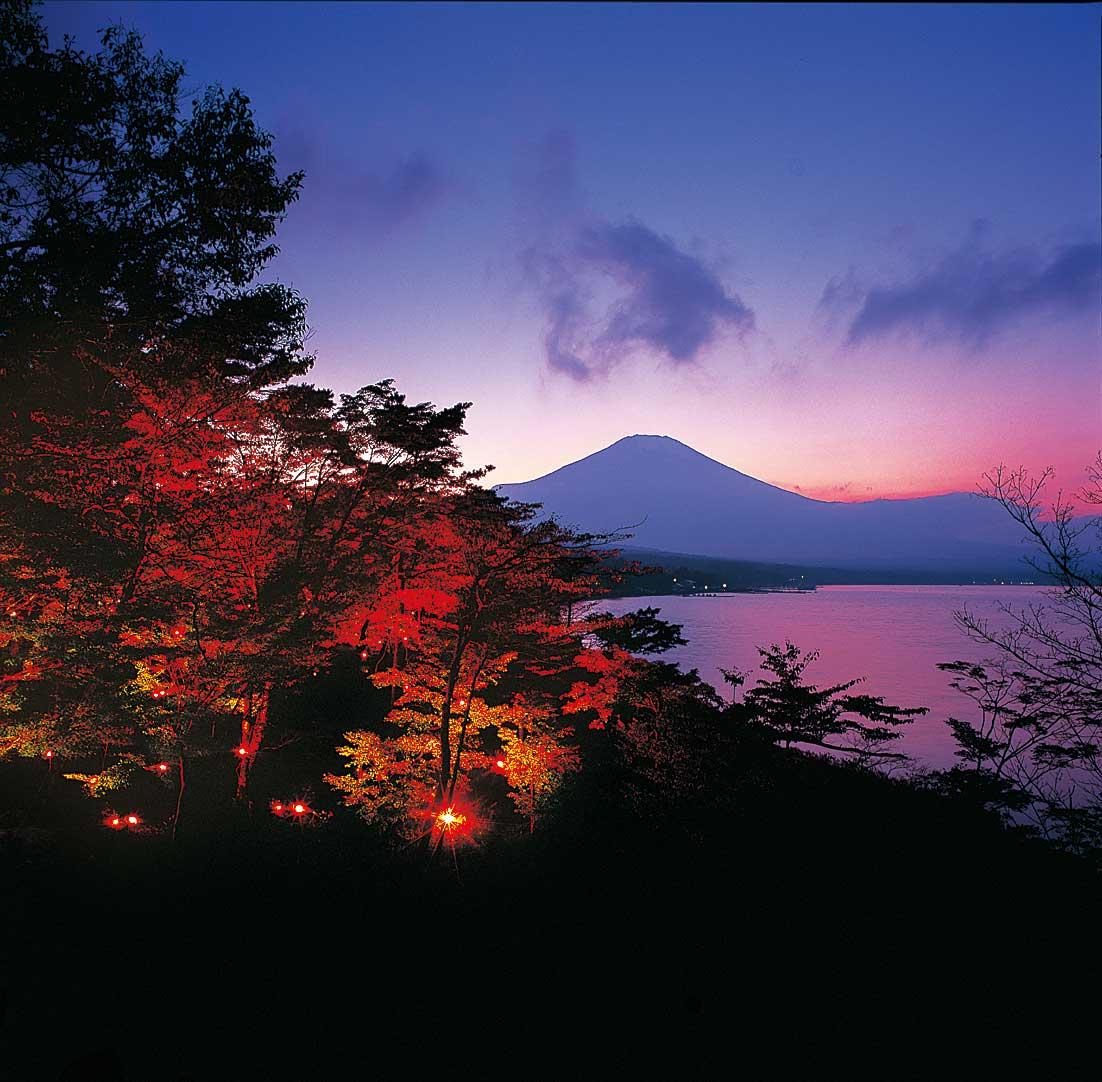 夕焼けの渚紅葉祭り